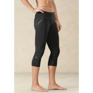 Athleta Relay Capri 2.0 in Black medium